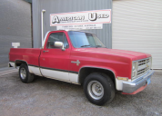 1984 CHEVROLET C10 FLEETSIDE SWB 305/ AUTO LHD