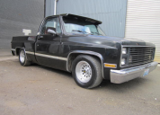 1986 CHEVROLET C10 FLEETSIDE SHORT BED 350 AUTO LHD